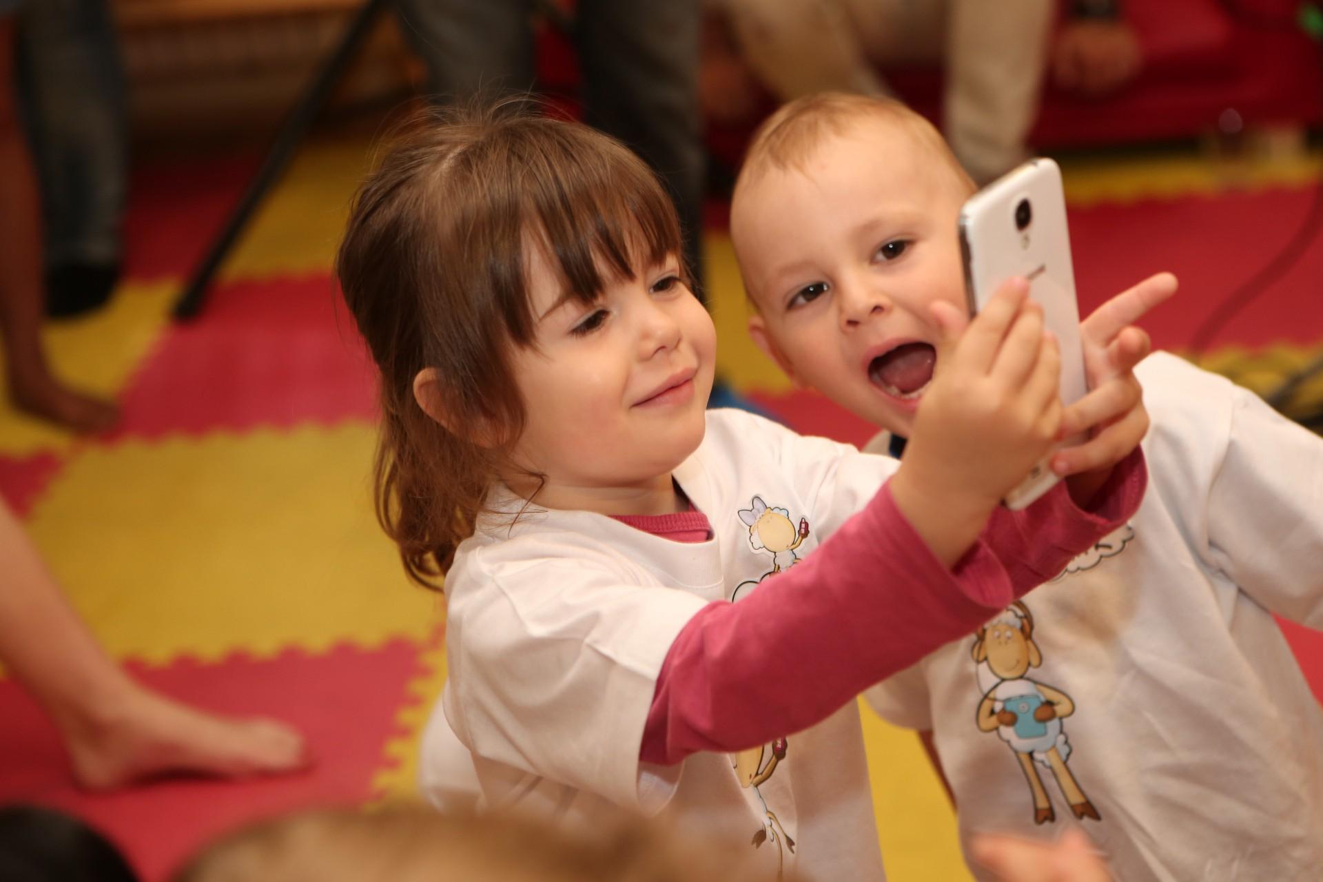 YouTube Blog predstavuje YouTube pre deti na mobilné telefóny